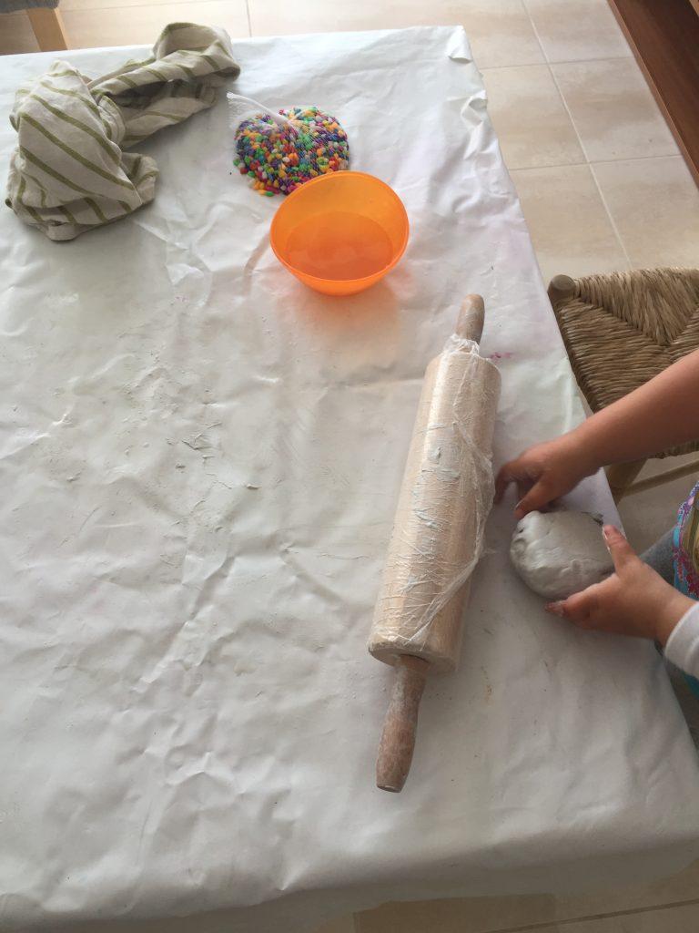 manualidad con pasta de modelar jovi