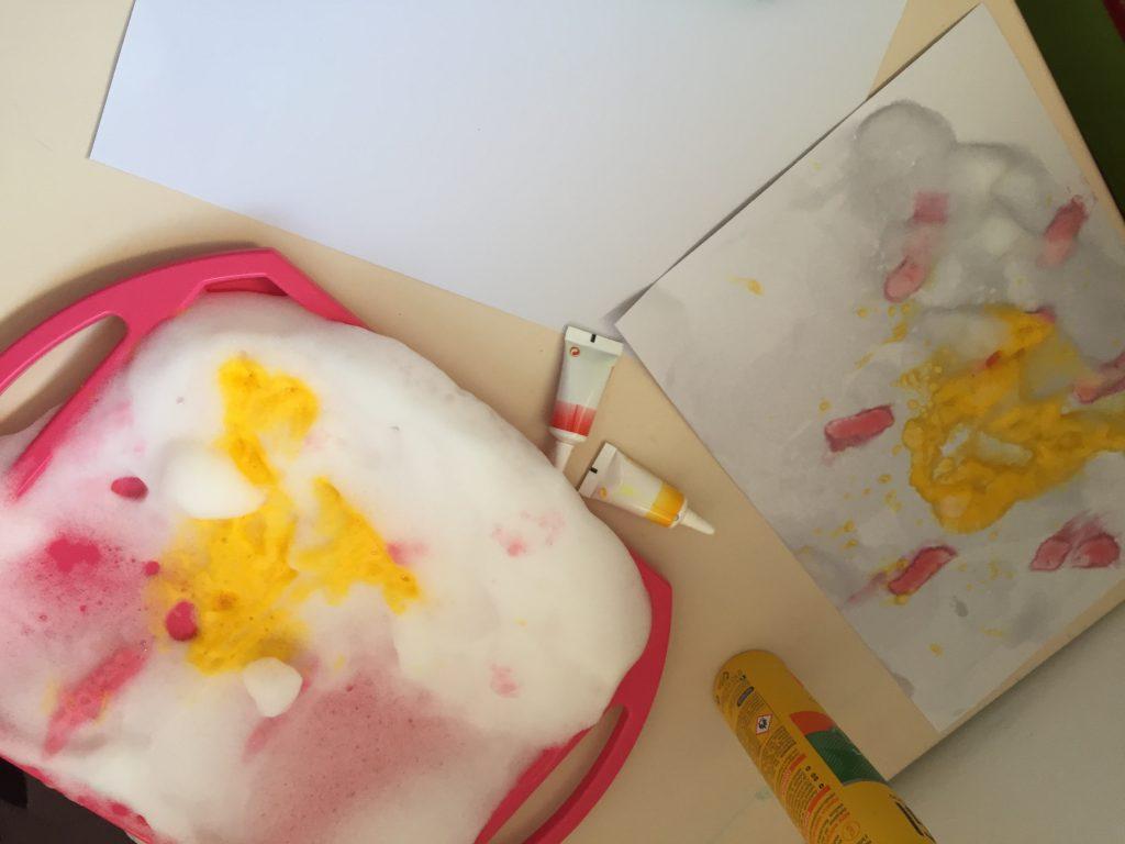 pintura sensorial con espuma