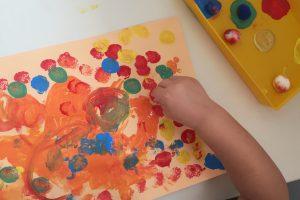 pompones y pintura