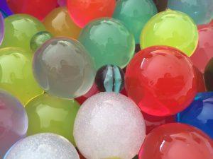 Juegos con bolas de gel