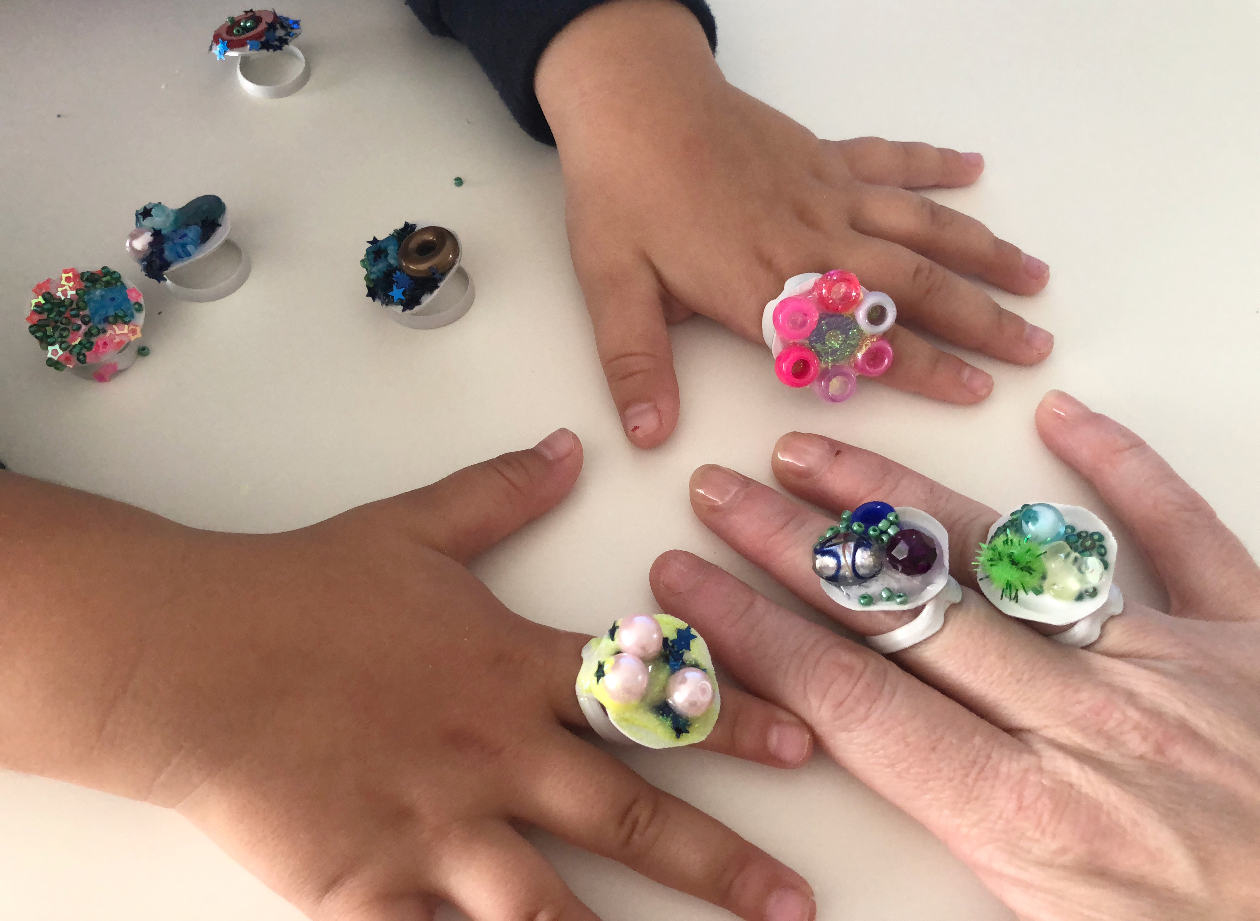 anillos hechos por los niños