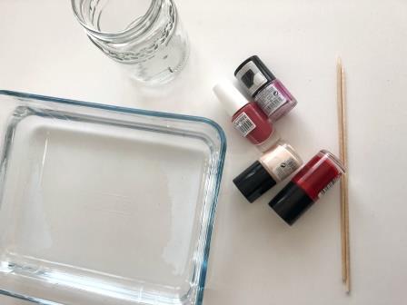 pintar con esmalte de uñas