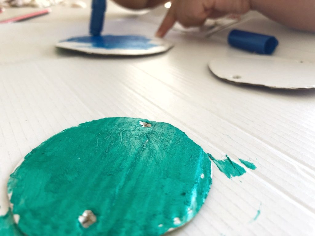 pintar con temperas sólidas