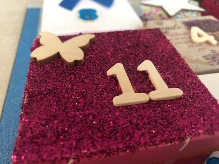 personalizar calendario adviento con purpurina
