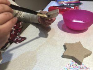 decorar cajas con decoupage