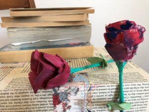 rosas con huevera