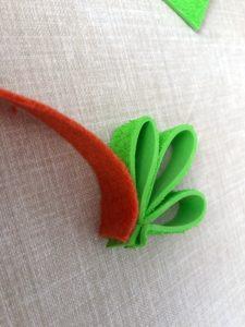 como hacer una zanahoria de fieltro
