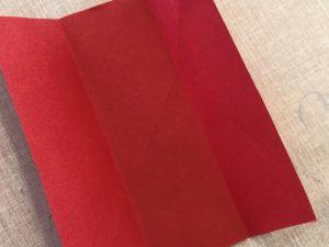 detalles para hacer un corazon con un cuadro de papel