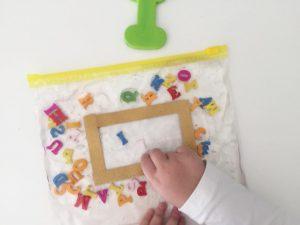 Bolsa sensorial con letras
