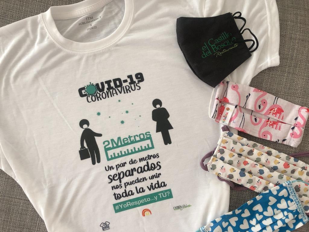 camiseta solidaria y mascarillas para la pandemia