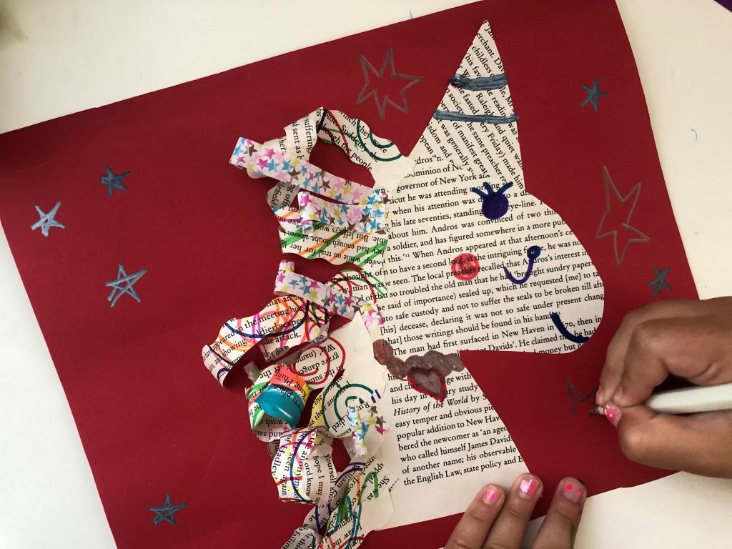 montajes con papel reciclado de libros