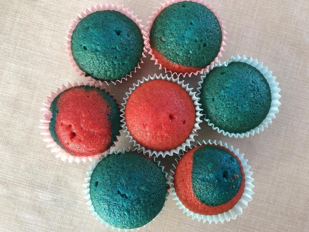 como hacer magdalenas de colores
